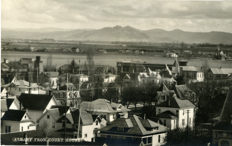 A view of Albany, Oregon from the courthouse.
