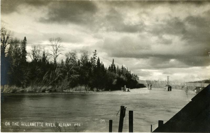 The Willamette River in Albany, Oregon.